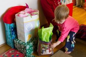 Scarlet delivering presents