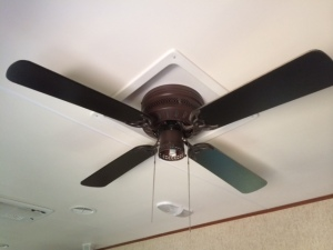 Our old fan with globe and bulb removed.