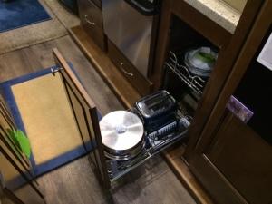 Pots and Pans Rev-A-Shelf bottom open